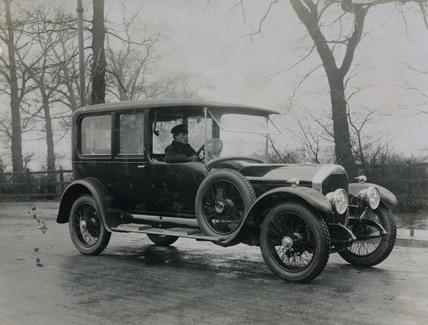 Saloon car with chauffeur 6 cylinder