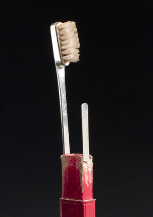 Toobrush set, in rectangular red leather tooled pull off case, 1791-1792.