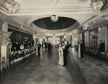 Couples dancing in the ballroom of the 'Empress of Britain', c 1934.