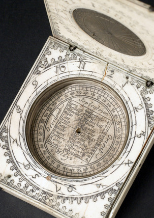 Ivory diptych sundial, 1651-1700.