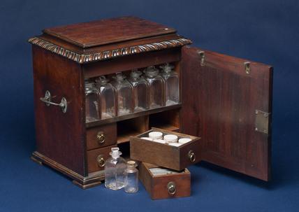 Sheraton medicine chest, 18th century.