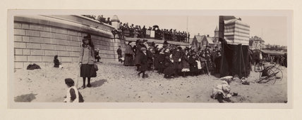 Lowestoft beach, c 1905.