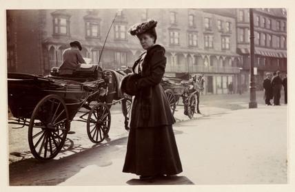 'Mrs Davison, March 1906'.