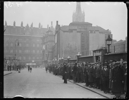 Queue of unemployed people, 1932.