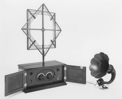 Burndept 'Ethodyne' superheterodyne radio receiver, 1925.