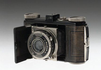 Kodak 'Retina 1' camera with Compur rapid shutter, 1935.