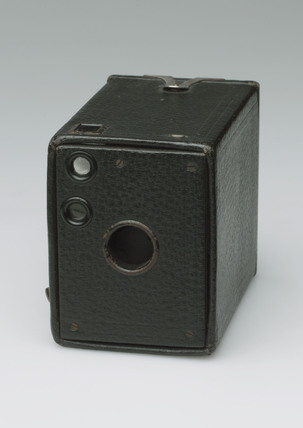 'No 0 Brownie' (Model A) roll film box camera, 1914.
