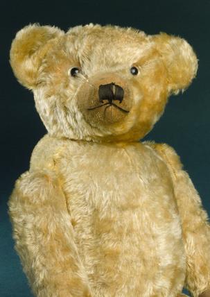 Teddy bear with golden mohair, 1920s.