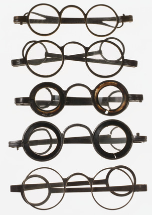 Straight spectacles, c 1797.