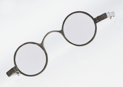 Transverse folding spectacles, 1798.