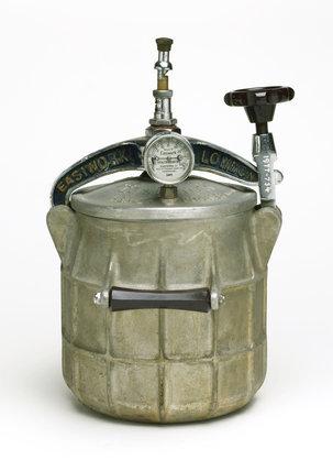 'Easiwork' pressure cooker, c 1936.