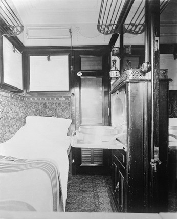 Interior of a LNWR sleeper carriage, 1909.