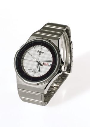 'No battery' quartz analogue wristwatch, 1984.