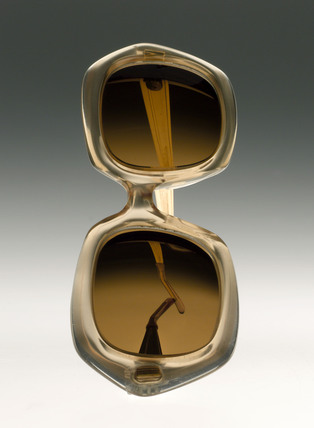Spectacles with photochromatic lenses, 1970-1972.