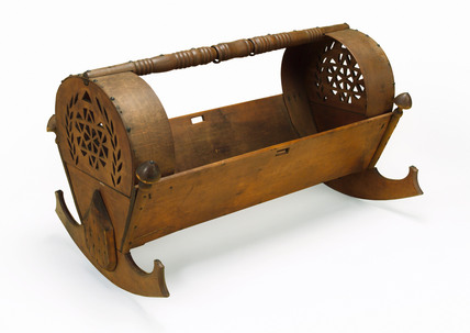 Rocking cradle, 18th century.
