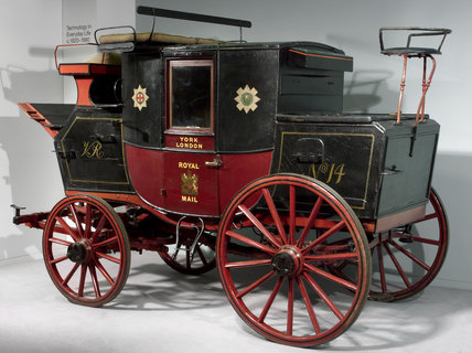 Royal Mail coach, 1820s (credit: Science Museum / Science & Society)
