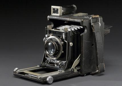 Graflex plate camera, c 1925.