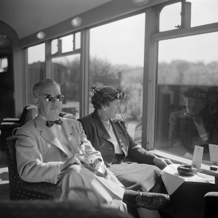 Two American tourists travelling to Devon on the 'Devon Belle', May 1950.