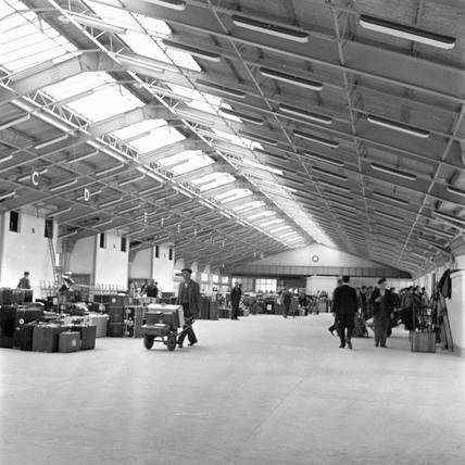 Cabin Class baggage examination room, Ocean Terminal, 1950.