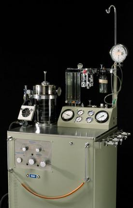 Blease pulmoflator, anaesthetic machine.