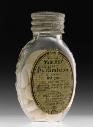 Bottle of 'Tabloid' Pyramidon tablets, 1915-1940.