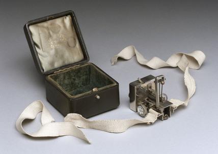 Dudgeon sphygmograph and case, Scottish.