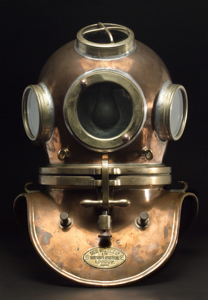 Diving helmet, 19th century.