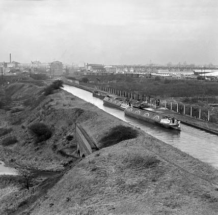 Beresford's boats near Birmingham, West Midlands, 1950.