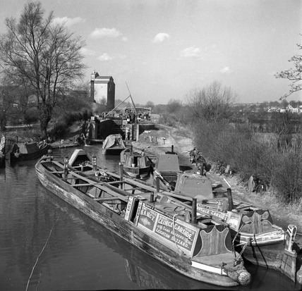 Canal barges at lock under maintencance, Kings Langley, 1950.