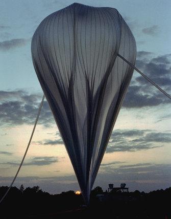 Scientific balloon, 1 January 2002.