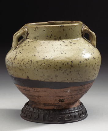 Drug jar, Chinese, late T'ang dynasty, 618 to 906 AD.
