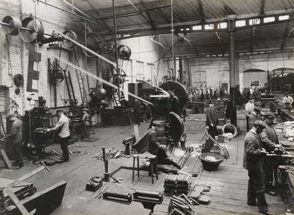 Metal workshop in Doncaster Carriage works, South Yorkshire, c 1916.