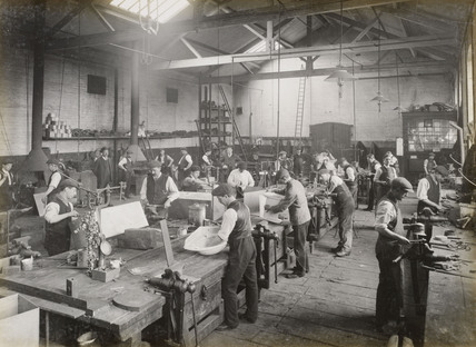 Plumbing shop, Doncaster works, South Yorkshire, c 1916.