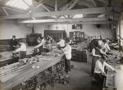 Workers making candelabra, Doncaster works, South Yorkshire, c 1916.