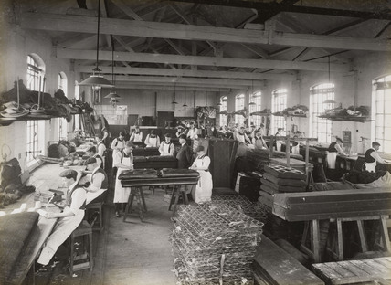 Carriage seat manufacture, South Yorkshire, c 1916.