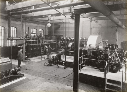Machinery at Doncaster works, South Yorkshire, c 1916.