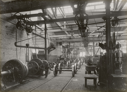 Wheel shop at Doncaster works, South Yorkshire, c 1916.