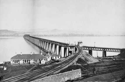 Tay Bridge, Dundee, c 1890.