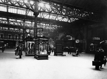 Inside Victoria Station, London, 1925.