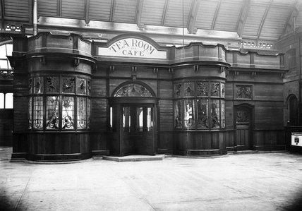 Tea rooms inside Victoria Station, London, c 1920.