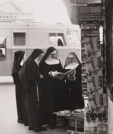 Nuns reading the paper, 20 October 1958.