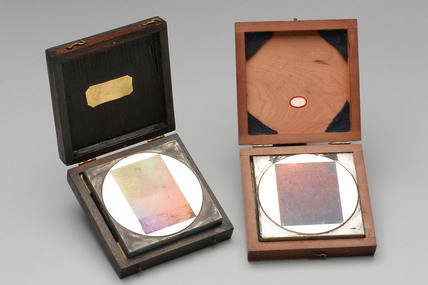 Gratings used in pioneering work on the infra-red spectrum, 1920-1940.