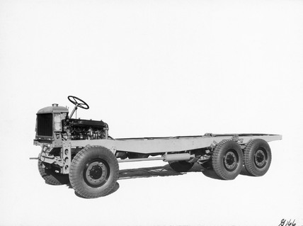 Rigid six-wheeled lorry chassis with all-wheel drive, 1929.