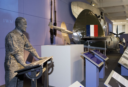 Sculpture of R J Mitchell, Spitfire exhibition, Science Museum, 2005.