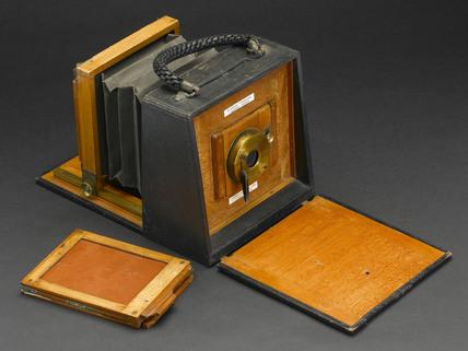 Folding 'handbag' camera, c 1892.