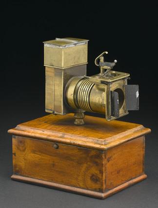 Skaife's pistolgraph camera, 1858.
