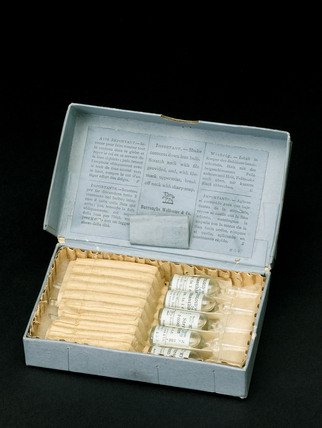 Box containing ampoules of Strophanthus extract, 1917.