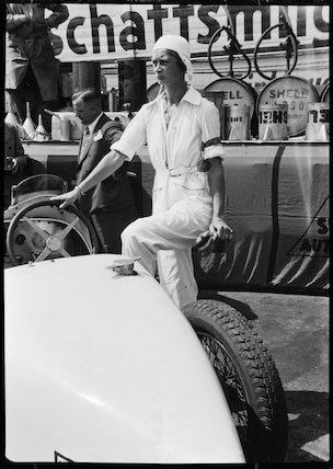 Beatrice Gilka-Botzow with her Bugatti racing car, Berlin, 1932.