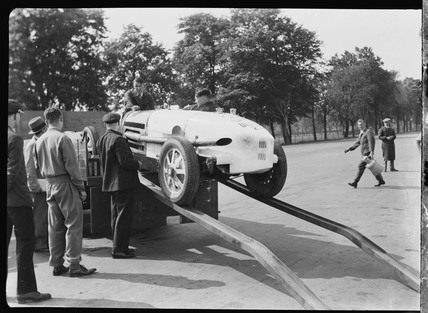 Prince Lobkowicz's Bugatti being unloaded from a truck, Berlin, 1932.