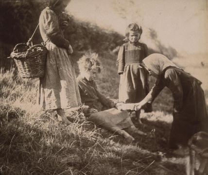 Portrait group of children, c 1900-1905.